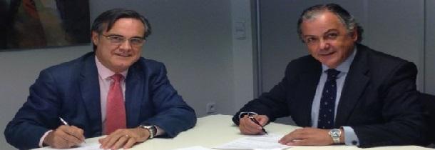 Firma del convenio entre AESEG y la Universidad Francisco de Vitoria