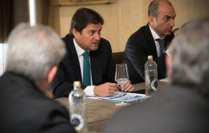 Raúl Díaz-Varela resaltó el papel del medicamento genérico como regulador del precio en el mercado.